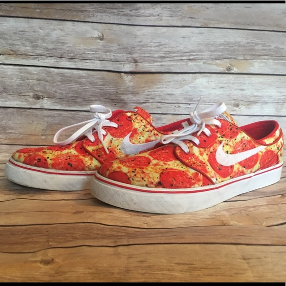 927a2b89f4 Nike SB Stefan Janoski Skate Mental Pizza Sneakers.  M 5be1b39dc61777cca174b908